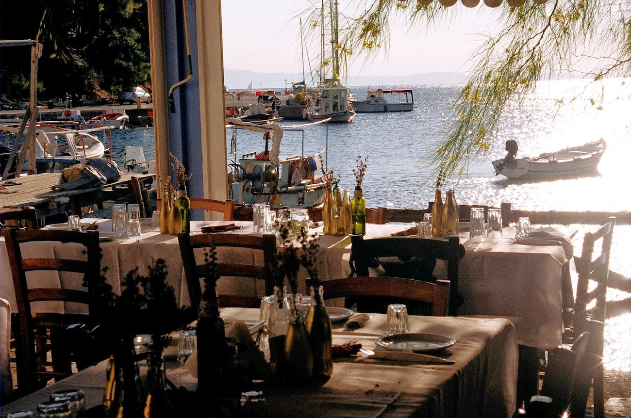 wedding-reception-in-a-greek-tavern-Skopelos