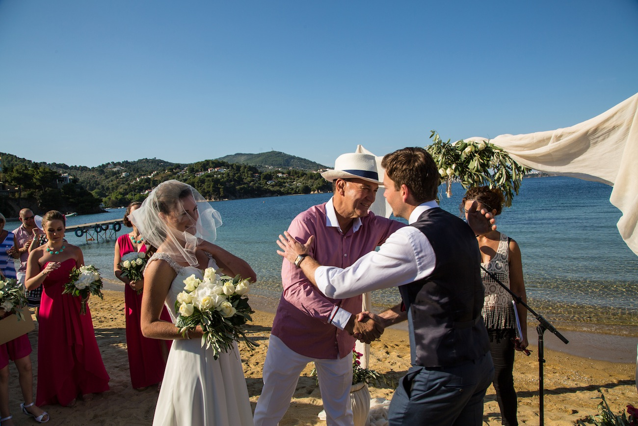 bride's-father-meets-the-groom