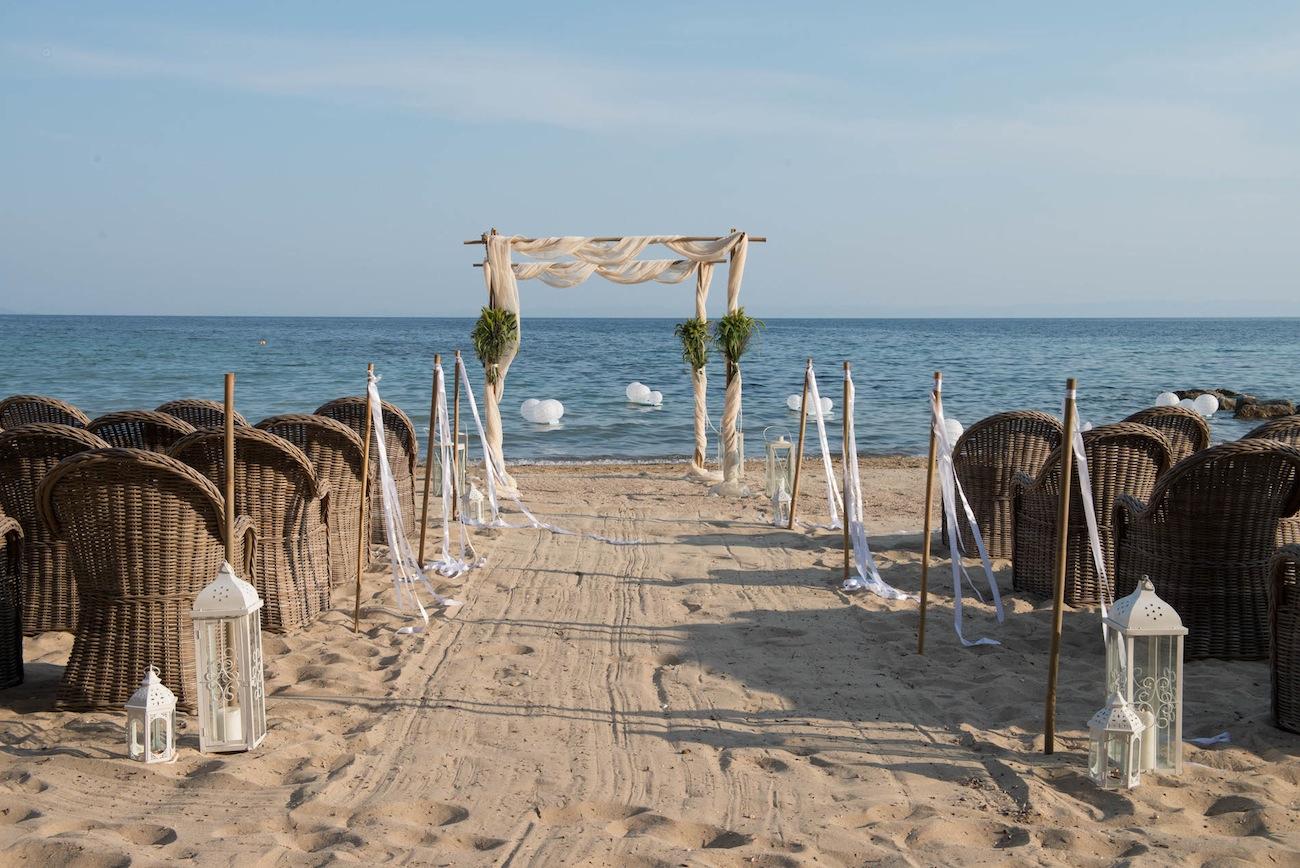 beach-wedding-ceremony-halkidiki