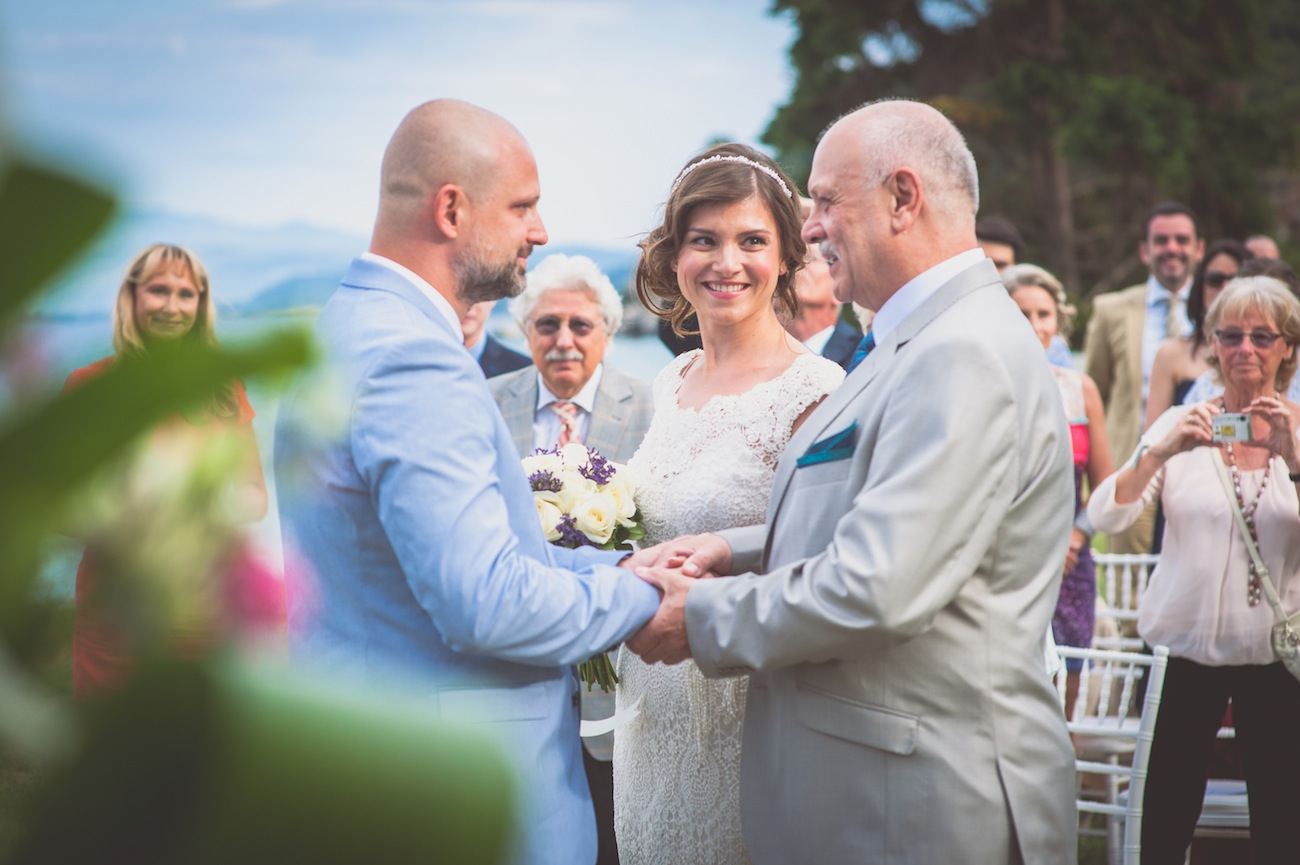 a-joyful -outdoor-wedding-in-Halkidiki