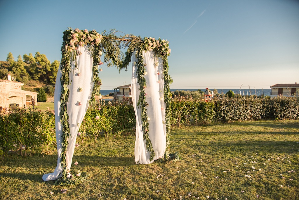 garden-ceremony-decor
