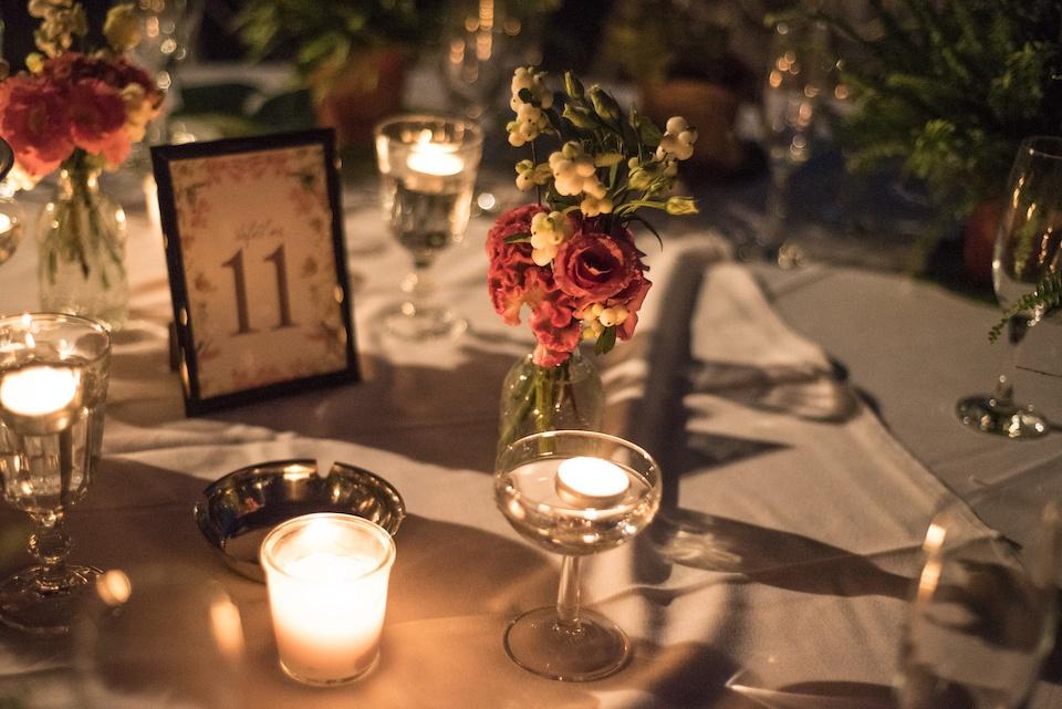 table-setting-bohemian-tropical-wedding