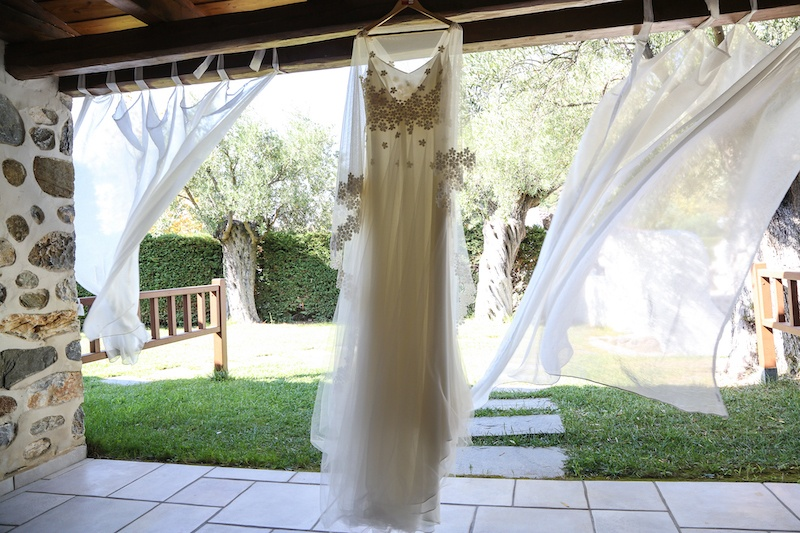 beach-wedding-bridal-dress-Halkidiki